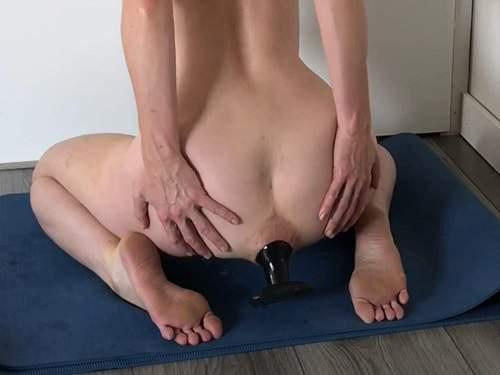 Mature anal – Radicalpainslut batgirl porn anal with giant butt plug