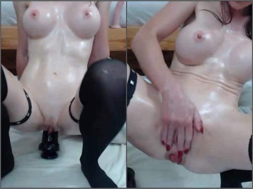 Brunette – Silicone tits brunette show her sweet anal rosebutt