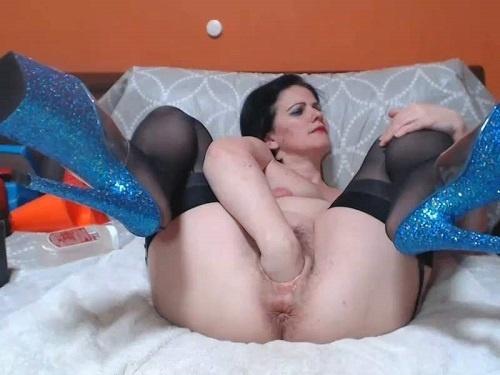 Mature fisting – Incredible webcam MILF Viviana76 rosebutt anus loose during balls and dildos penetration
