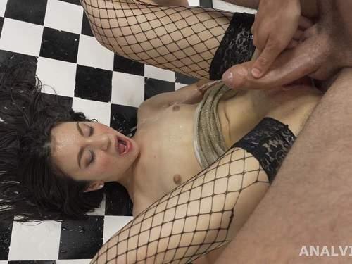 Francesca Palma – Francesca Palma little anal gape loose and peeing domination