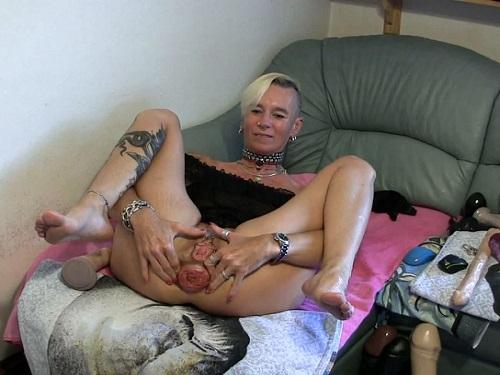 Prolapse ass – Sexy tattooed blonde with big ass prolapse amazing