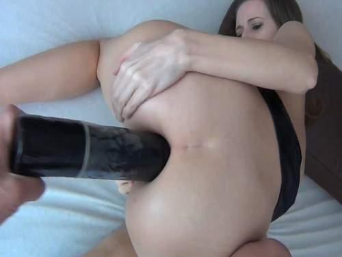 Gape ass – Beautiful girl with sweet asshole gaping very closeup
