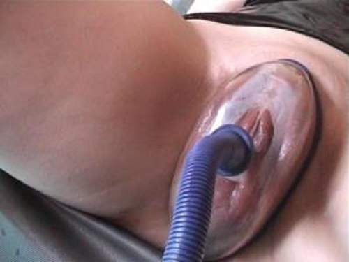Tied – Pumping pussy blindfolded tied mature closeup