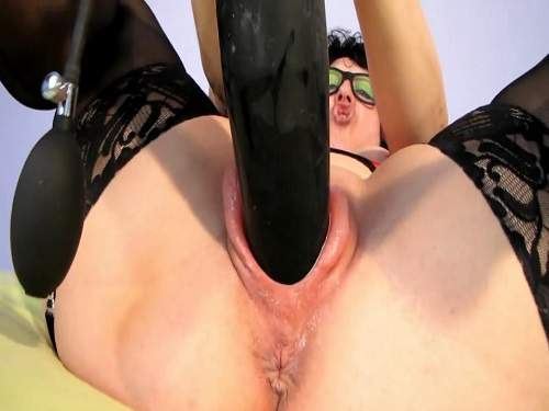 Busty girl – Inflatable dildo hard stretched huge pumped pussy