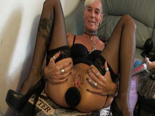 Dildo anal – Dirty wife penetration huge black plug in anus