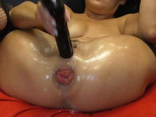 Closeup – Large labia MILF BIackangel closeup wet anal rosebutt terror with rubber dildo