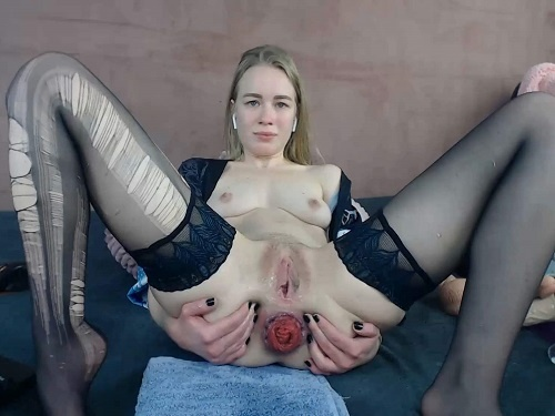 Teen prolapse – Torn pantyhose and anal prolapse fetish with JanaBellaCam