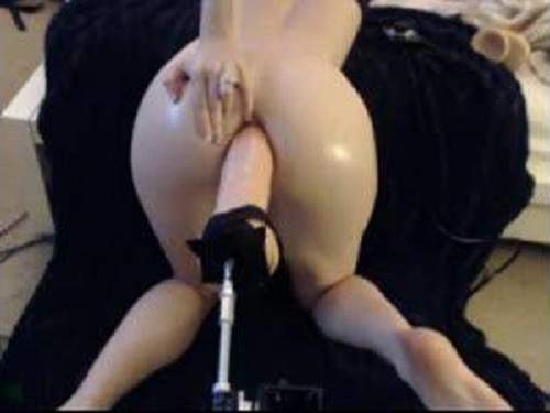 Strapon – Insane amateur girl fuckmachine with colossal toy anal hard