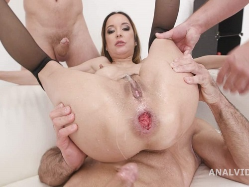 Peeing fetish – Sexy pornstar Francys Belle dap sex and peeing domination part1