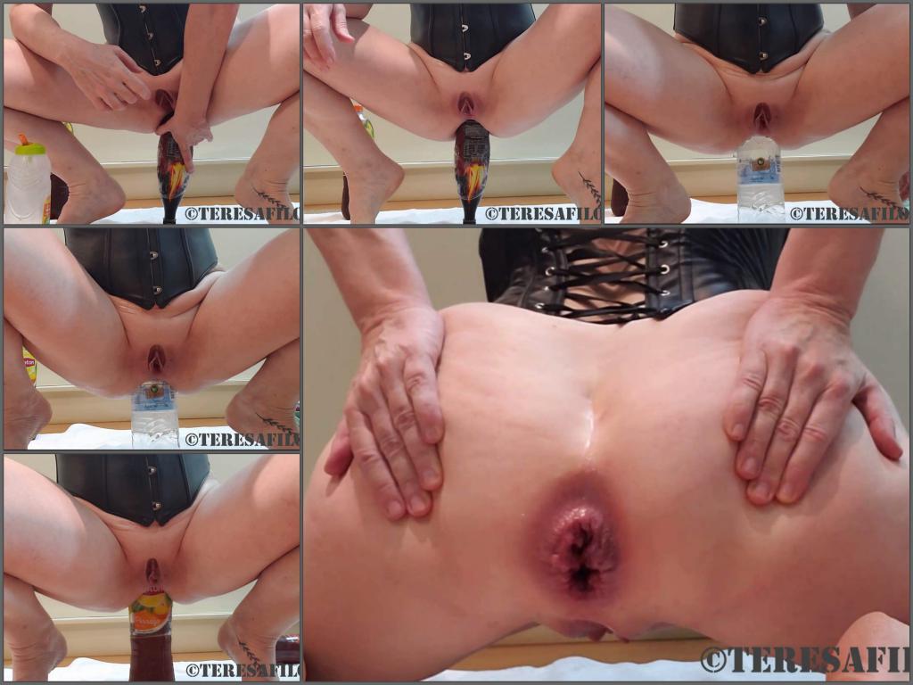 Teresafilosofa bottle sex,bottle penetration,bottle in ass,anal ruined,anal stretching,big ass wife,wife porn,rosebutt loose,plastic bottle anal,full hd porn video