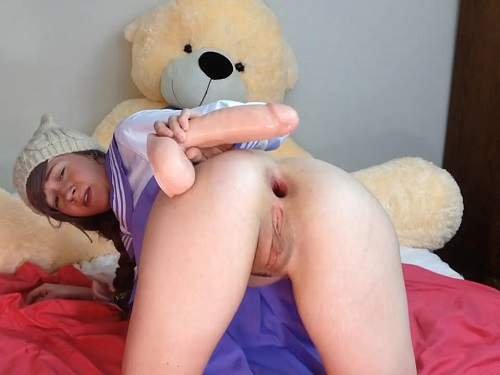 Gape ass – Teen anal gape loose in doggy pose after toy fucked