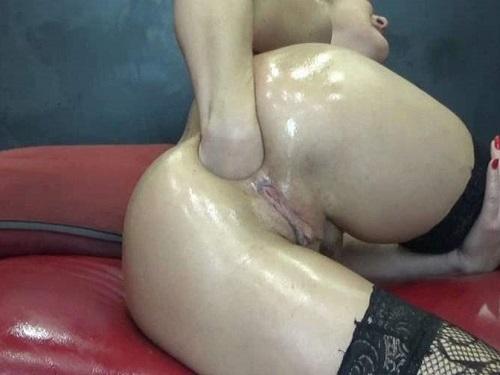 Closeup – Sexy large labia hungarian brunette BIackangel rough fisting anal