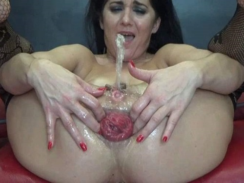 Close up – Hungarian BIackangel squirt during rough loose her big prolapse anus