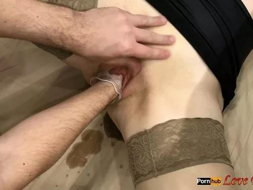 Closeup – Skinny sexy wife Love Banaxy gets tomatoes and fist vaginal