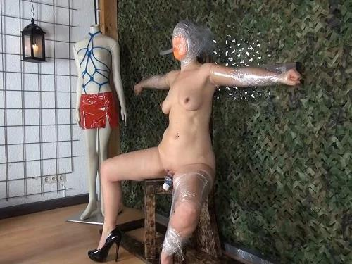 Maledom – Amateur hard BDSM and pussy pump to german pornstar